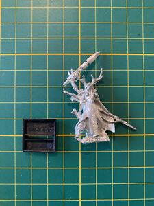 Warhammer Wood Elves Waldelfen Female Lord Two Weapons Metal Rare Used OOP