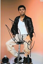 Autographe sur photo de Jamel Debbouze , ( 19 x 12,5 )