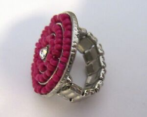 Fashion Ring stretch CIRCULAR- magenta seed beads- clear stone in center
