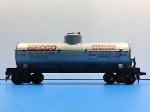 """HO Scale """"Becco"""" BECX 8914 Single Dome Tanker Freight Train Car"""