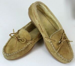 Minnetonka Moccasins sz 8 Light Tan Fleece Lined Hard Soles Excellent Condition