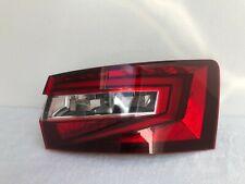 Skoda Superb 3V Kombi Rückleuchte Heckleuchte Rücklicht rechts LED 3V9945208