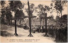 CPA 93 - CLICHY SOUS BOIS (Seine Saint Denis) - Notre Dame des Anges. Les Croix