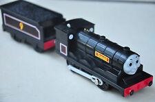 THOMAS TRACKMASTER TRAIN SET MOTORISED ENGINE - DONALD and TENDER - Like NEW