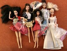 LOT OF 5 BARBIE'S WITH OUTFITS AND ASSESORIES 1970's 1980's