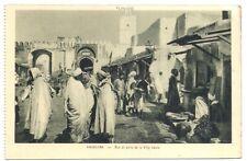 kairouan , rue et porte de la ville