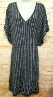 ANNE KLEIN Women Size 2X Black White Knit Sheath Dress V-neck Short Sleeve. 77