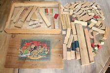 Jeu de construction en bois du XIXème siècle - Poupée - maison