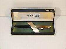 Stylo plume Parker doublé or laminé dans sa boîte