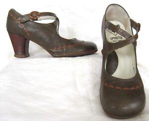 JOHN FLUEVOG OPERETTAS Green Leather Mary Jane Pump Shoes MALIBRAN Size 9