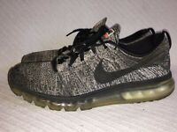 Men's Size 12 Nike FlyKnit Air Max Black White 'Oreo' Running Shoes 620469-105