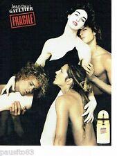 PUBLICITE ADVERTISING 116  2002  Jean Paul Gaultier   parfum Fragile