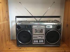 Vintage Hitachi TRK-8180E Stereo Radio Cassette  Boombox Ghetto Blaster - TESTED