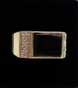 Fine Onyx & Diamond Gents Signet Ring 416 (10ct) Yellow Gold - Size T (US 9.5)