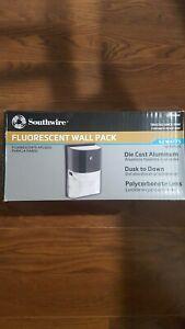 Fluorescent  Dusk To Dawn Wall Light