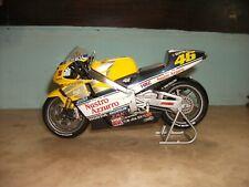 MINICHAMPS Scale 1:12 HONDA NSR 500 Team Nastro Azzurro 2000