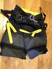 ION B2 Shorts Kitesurfing Harness - XS - Perfect Condition