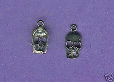 20 wholesale lead free pewter skull charms 1037