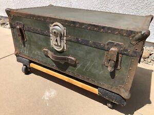 WW2 sailor's foot locker with inner tray.