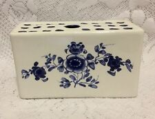 REPRODUCTION DELFT MMA-AMB BLUE WHITE FLOWER FROG BRICK VASE PORTUGAL 1992