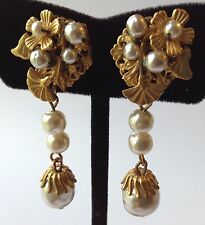 SPECTACULAR VINTAGE MIRIAM HASKELL SIGNED DANGLING PEARL EARRINGS UB6