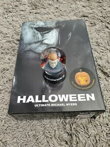 Halloween mini snow globe & Halloween Ultimate Michael Action Figures NECA