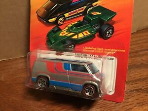 HOT WHEELS FLYING CUSTOMS 2007 1/64  custom dodge van silver