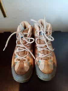 Ladies Mountain Warehouse, Rapid Ladies hiking  Boots , Size 4