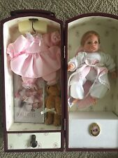Lee middleton dolls Exceptionally Rare little doll in trunk Collector's item