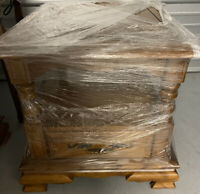 1970's Ethan Allen Heirloom Solid Nutmeg Maple Nightstand Side End Table 1390
