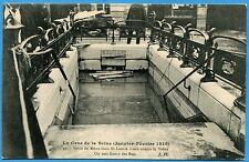 CPA: PARIS - Sortie du Métro Gare St-Lazare - L'eau atteint la Voûte