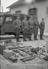 Orig. Negativ Foto Luftwaffe Nachrichten Soldaten m. Ausrüstung in Frankreich