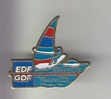 RARE PINS PIN'S ..  SPORT WINDSURF PLANCHE A VOILE EDF GDF DEAUVILLE 14 ~DR