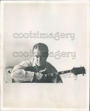 1960 Dixieland Jazz Musician Eddie Conlon Playing Hollow Body Bass Press Photo