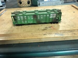 Walthers ho custom weathered covered hopper, BN#173987, no box