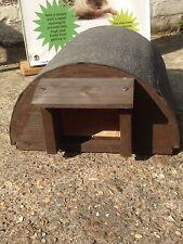 Fatto a mano in legno riccio ibernazione House a cupola in Marrone