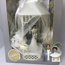Vintage Wilton Bride & Groom Gazebo Wedding Cake Topper Brown Hair & Eyes 9.5""