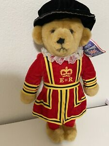 """Merrythought Queen's Royal Guard Beefeater England 17"""" Plush Bear with Tag"""