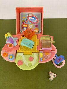 Littlest Pet Shop - 2006 - Teeniest Tiniest - Mini Pop Up Playset with Figure #1