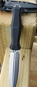Discontinued Benchmade 133 Fixed Blade Infidel D2 Double Edge Dagger Rare knife