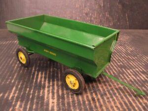 Ertl John Deere Flare Box Farm Wagon 1/16 Steel Repainted