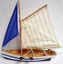 Modell Segelboot Holz Jolle Paddelboot Dekoration Maritim blau weiß 33cm SY38
