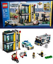 New BANK & MONEY TRANSFER Lego CITY 3661 Police Car COPS ROBBERS Armored Truck
