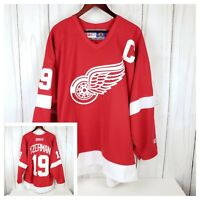 Detroit Red Wings Steve Yzerman Captain NHL Home Jersey Men's CCM Size Large