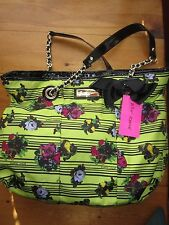BETSEY JOHNSON LIME GREEN W/ FLOWERS BLACK PATENT TRIM & BOW TOTE PURSE SET