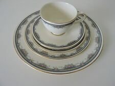 ROYAL DOULTON ALBANY 5 piece place setting NEW Ivory with Gold Rim