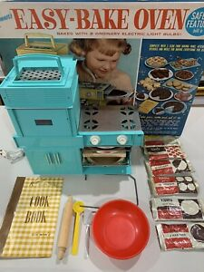 Kenner Easy-Bake Oven Vintage 1964 Original box, Used, Accessories + Cook Book