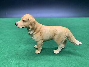 Schleich 16335 Golden Retriever Dog Standing Canine - RETIRED