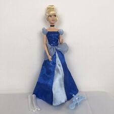 Disney Store Cenicienta Articulado Articulado Muñeca & Cepillo de altura 12 pulgadas