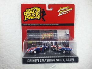 Johnny Lightning - Austin Powers Diecast Diorama Scene - Shaguar & Corvette